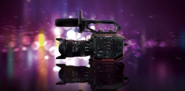 Presentata in anteprima una nuova telecamera cinematografica Panasonic 5,7 K compatta