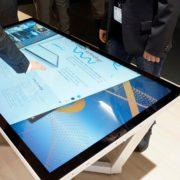 NEC aggiunge le caratteristiche touch table ai nuovi display UHD da 55 e 65 pollici