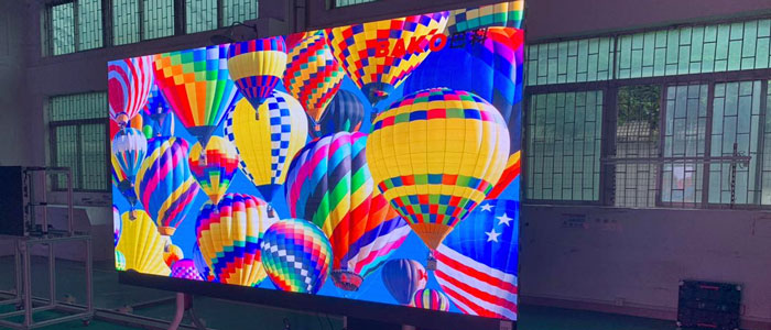 I display LED Bako sono ora distribuiti da Videosignal